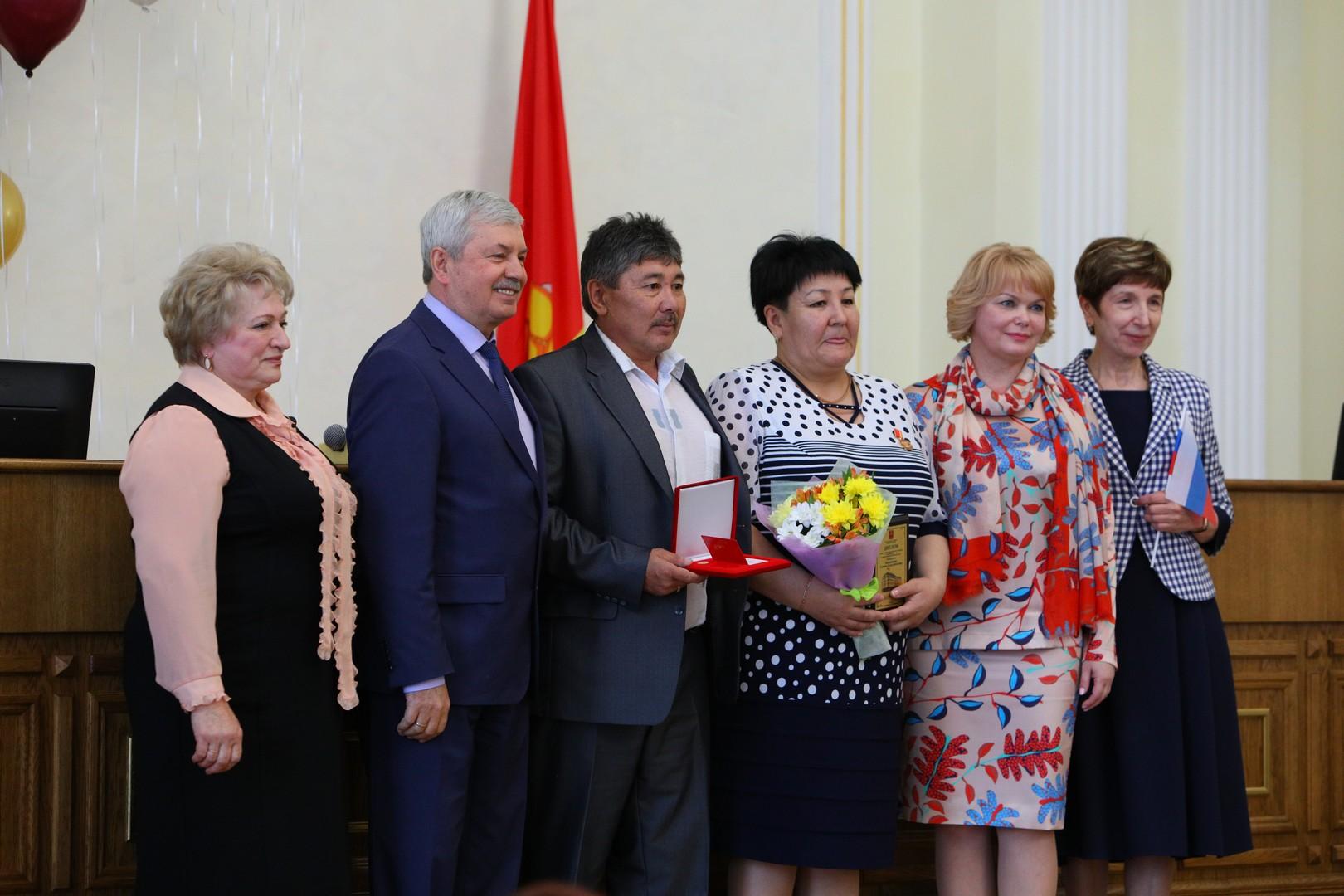 Накануне Дня социального работника председатель Законодательного собрания Челябинской области Вла