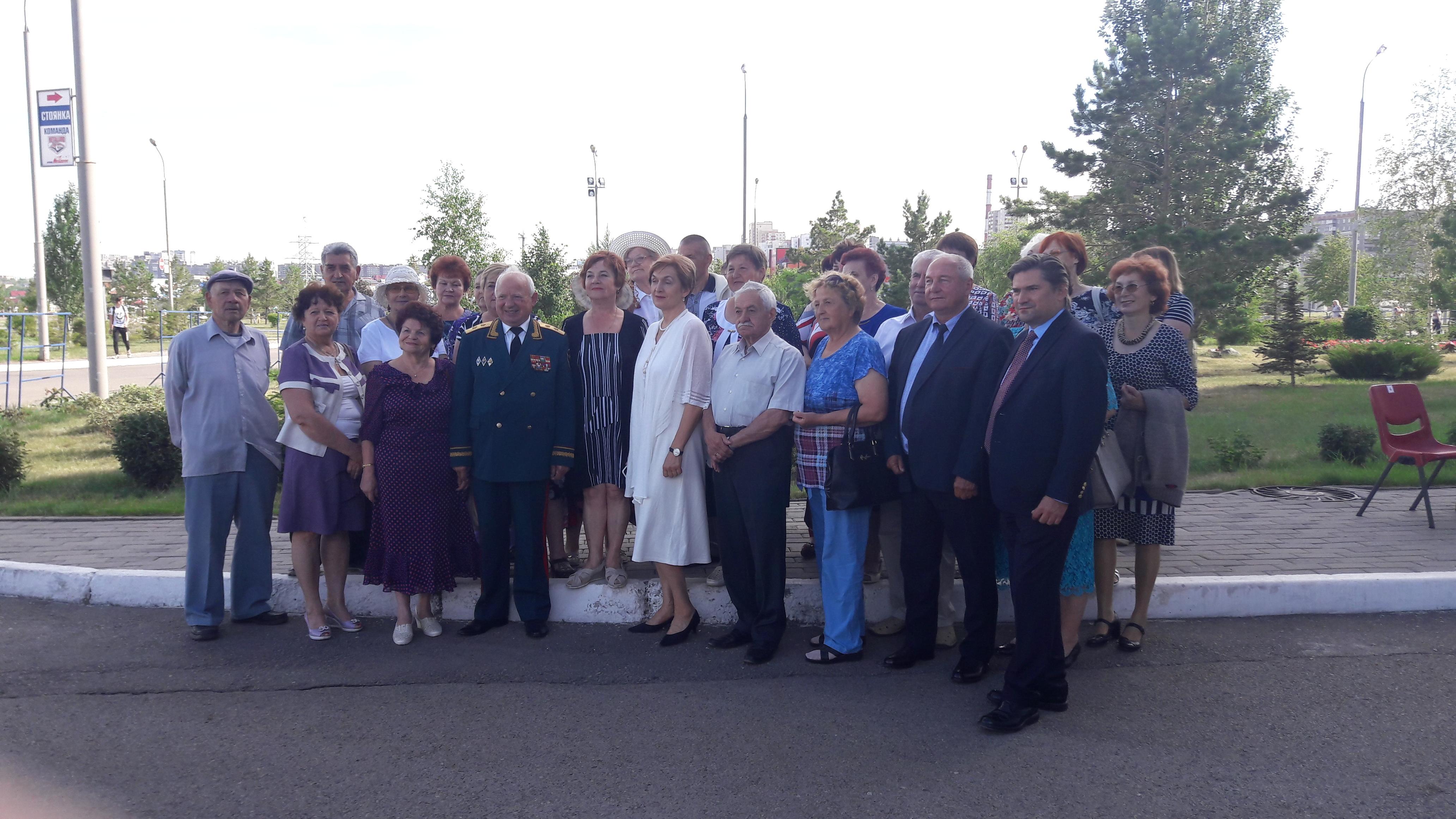 Традиционно в День металлурга в Магнитогорске (Челябинская область) чествуют представителей старш