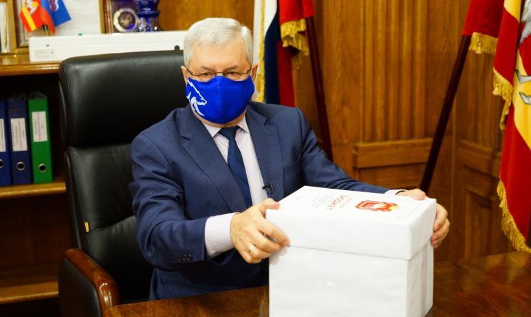Председатель Законодательного собрания Челябинской области Владимир Мякуш пообещал южноуральцам у