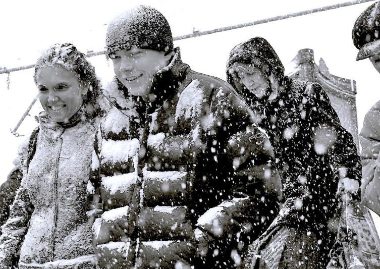 Сегодня утром обильные снегопады идут в Красноармейском, Челябинском, Пластовском и Чесменском го