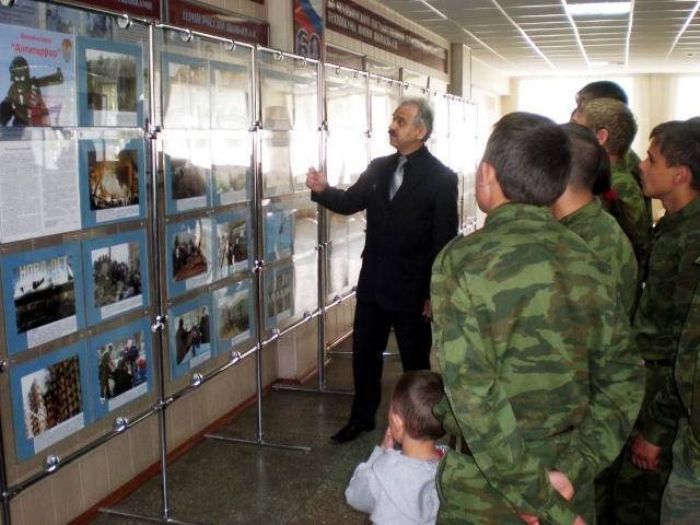 Выставка создана челябинской региональной общественной организацией участников боевых действий «Р