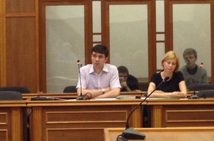 Как передает корреспондент агентства из зала суда, сторона обвинения - прокурор Челябинской облас