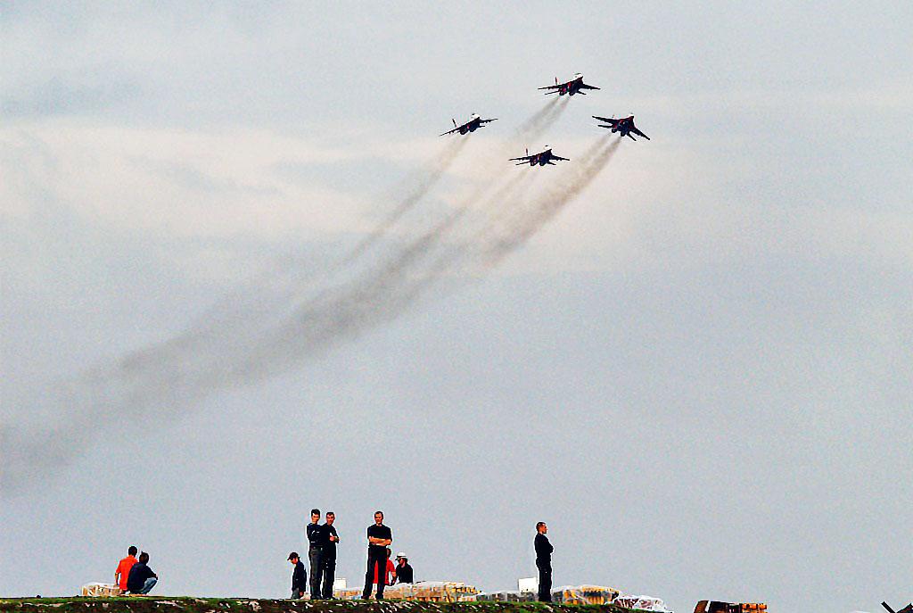 Выступления мастеров пилотажа можно наблюдать 13 и 14 июля. Руководство ПАО