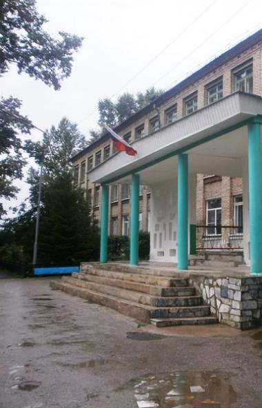 Почти 18 тысяч педагогов школ Челябинской области получат первые выплаты за классное руководство
