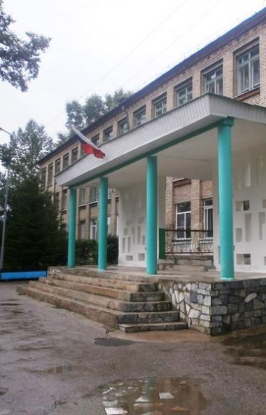 В Челябинске семь школ откорректировали сроки осенних каникул, внеся изменения в свои календарные