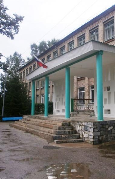 С понедельника, шестого апреля, все школы Челябинска и организации дополнительного образования пе