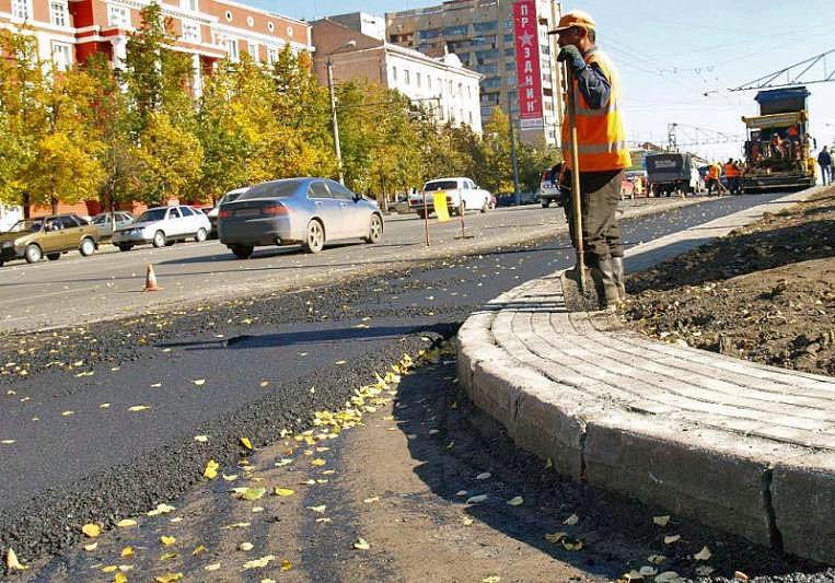 В Челябинске активно продолжается ремонт дорог. У властей города нет никаких опасений из-за арест