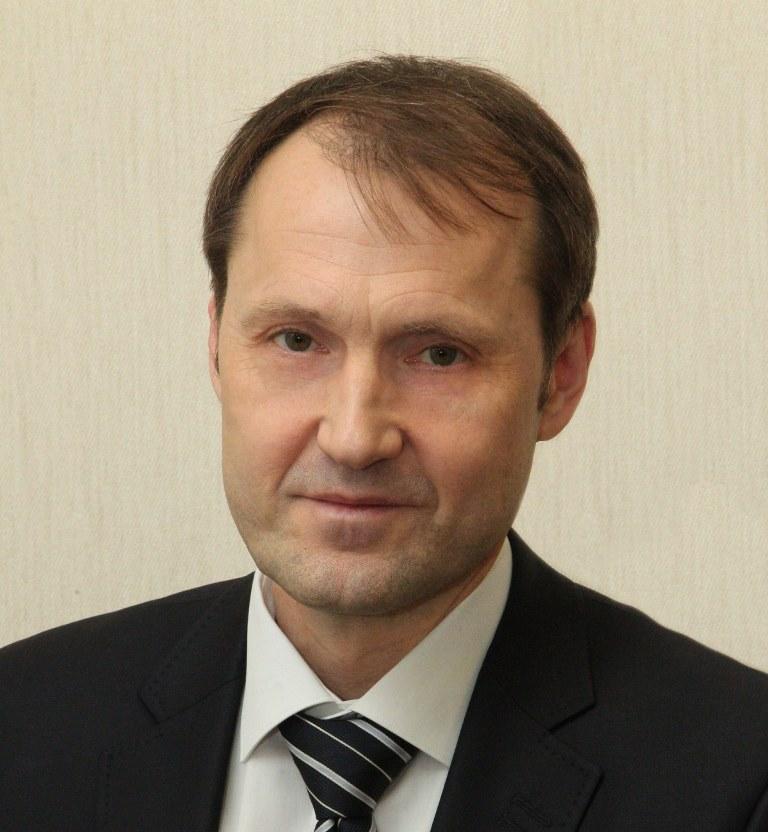 Юрий Параничев уже много лет занимается вопросами хозяйства Челябинска: свою карьеру в администра