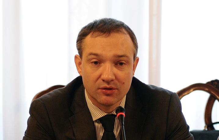 Накануне, исполняющий обязанности губернатора области Борис Дубровский после трехчасового общения