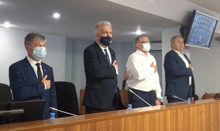 Сегодняшнее заседание депутатского корпуса Магнитогорска (Челябинская область) состоялось наканун