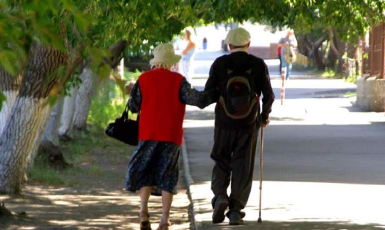 Пенсионеры Челябинской области получат единовременную выплату ко Дню пожилого человека, который е