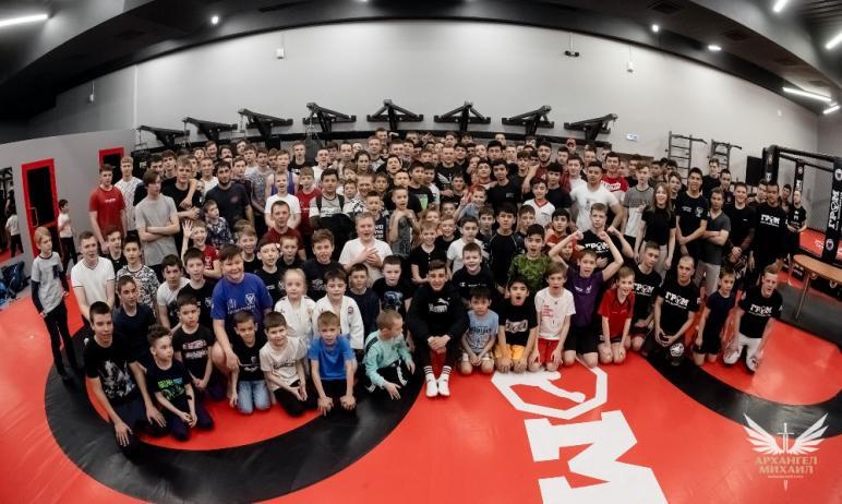 В Челябинске состоялась торжественная церемония открытия клуба «Гром», в котором будут заниматься