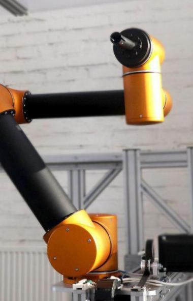 В Магнитогорске (Челябинская область) начинают выпускать роботов, которые будут выполнять рутинны