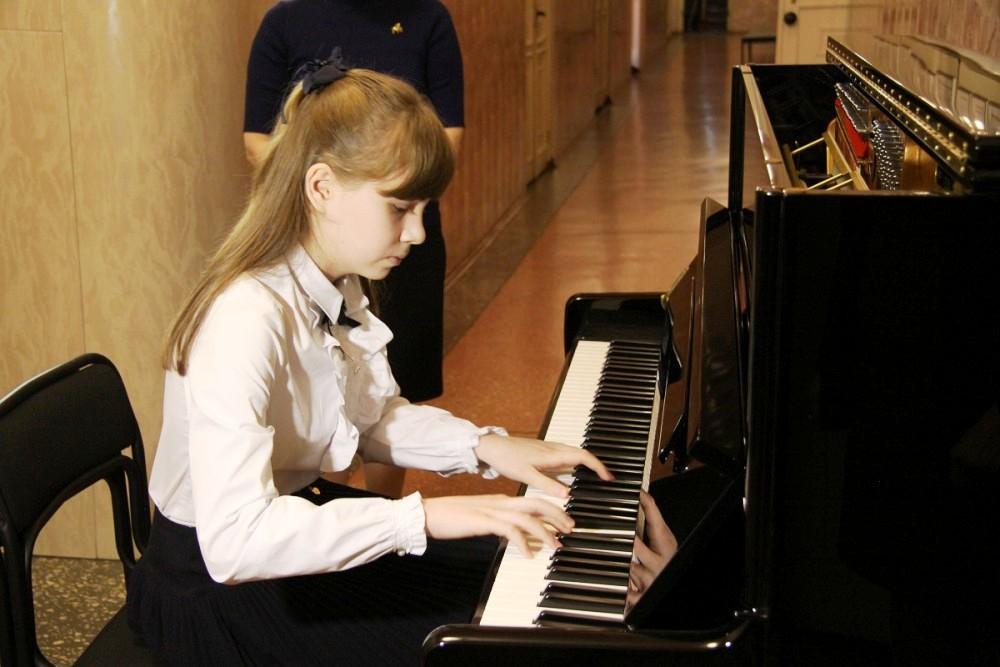 В этот раз президентские подарки получат школы искусств Горнозаводской зоны. Фортепиано приедут н