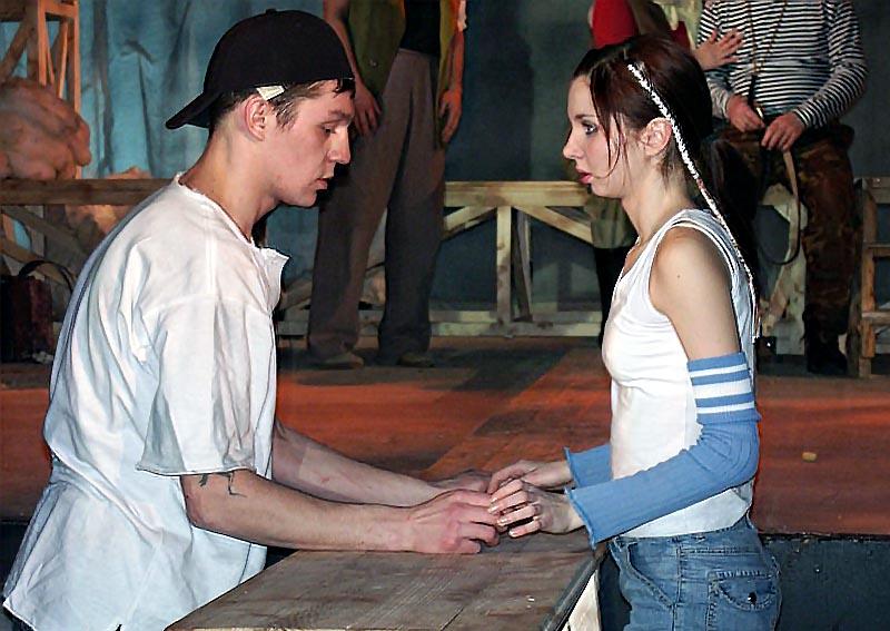 Сказку-притчу по пьесе Марии Ладо для семейного просмотра поставила главный режиссёр театра заслу