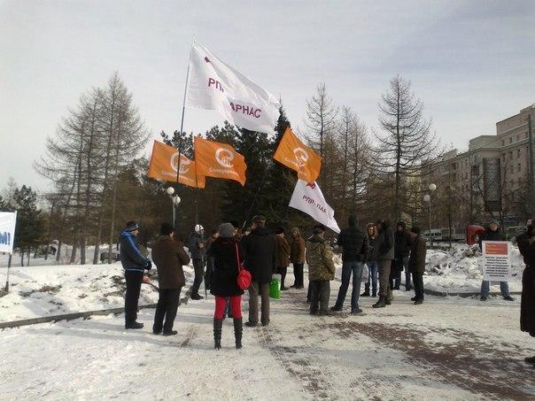 Как пишет в личном блоге активист гражданского движения Южного Урала Тарас Есаков, в сквере на Ал
