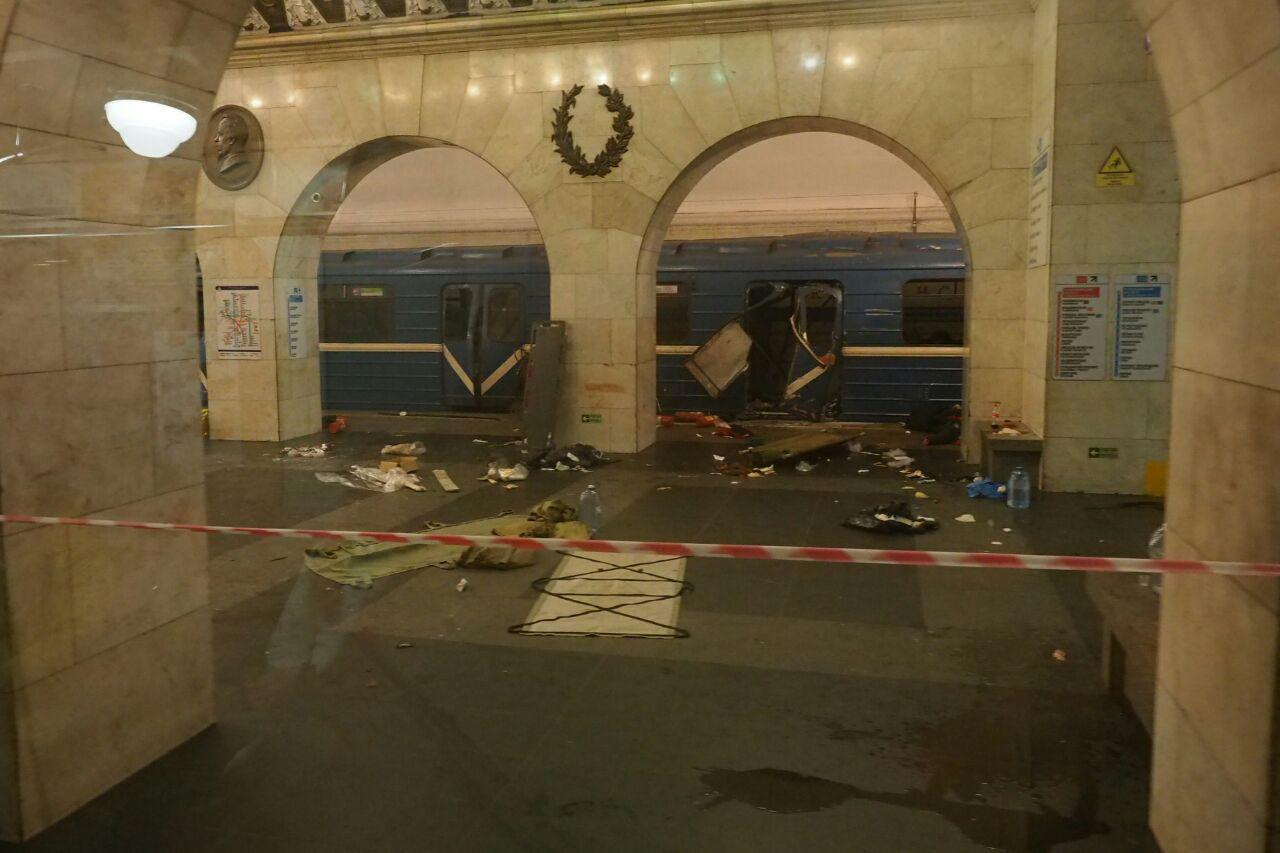 В полицейском главке отмечают, что ЧП произошло в петербургском метрополитене в районе станции «Т