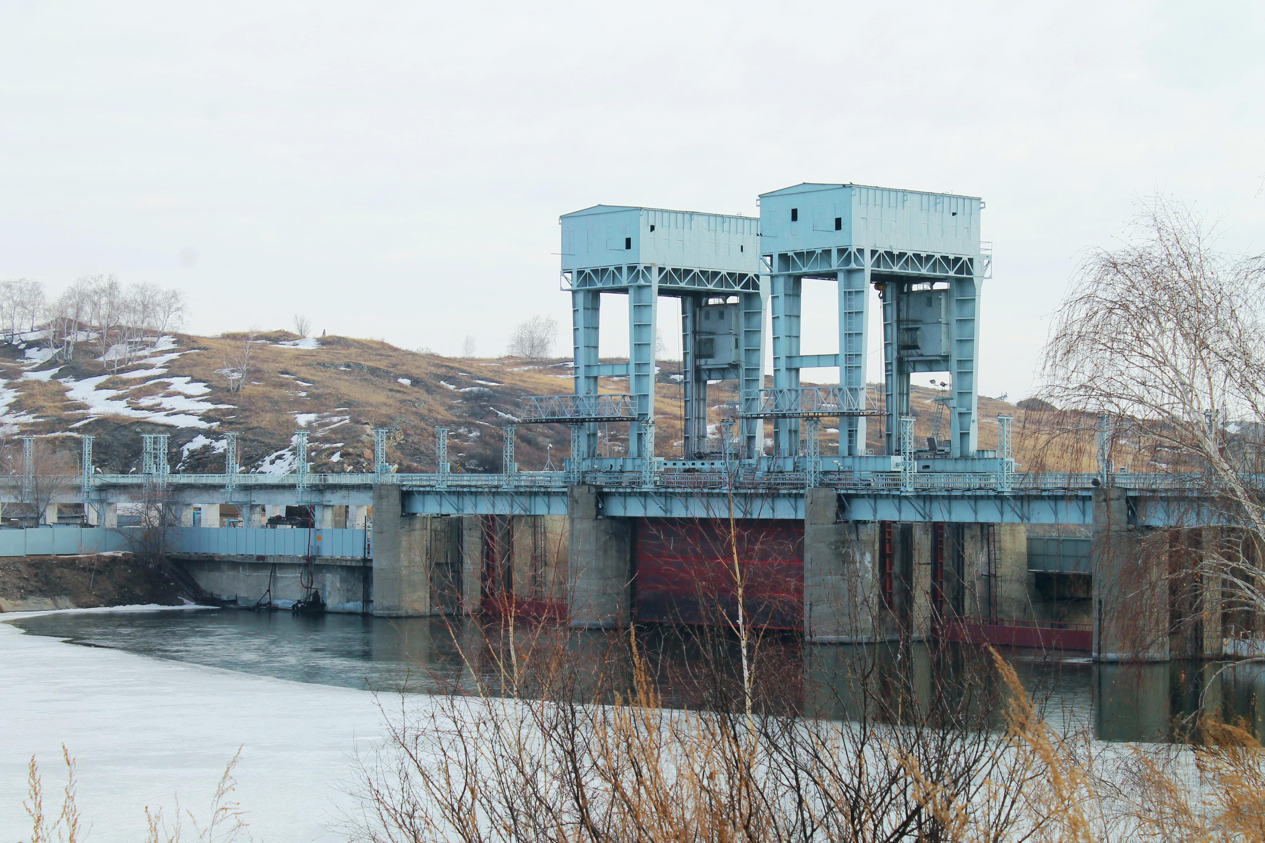 На Троицкой ГРЭС ПАО «ОГК-2» завершена подготовка к весеннему паводку. Сброс воды из водохранилищ