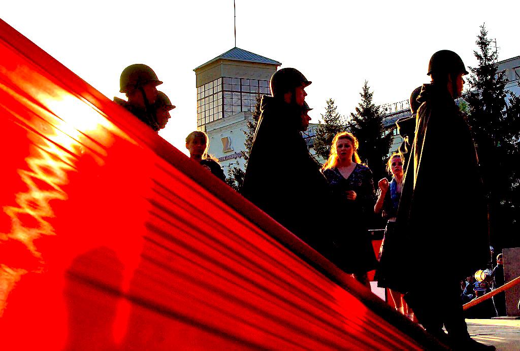 На сцене Копейского ДК имени Кирова коллективы художественной самодеятельности и солисты соберутс