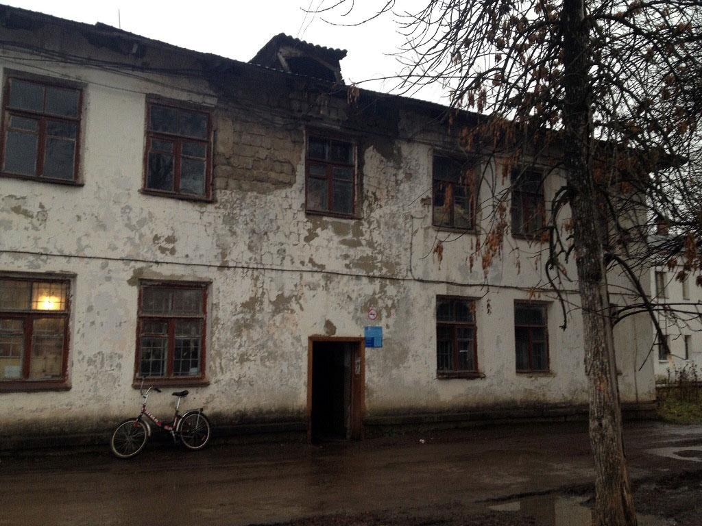 В Челябинской области общественники просят снести здание сельской почты, которое находится в ужас