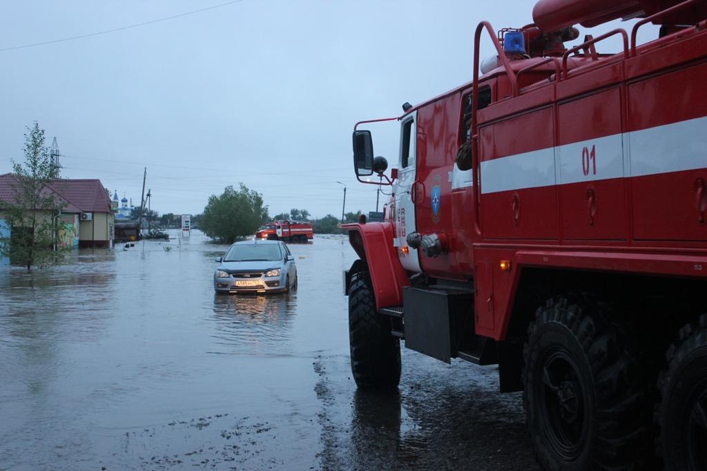 Уровень воды в пострадавших от подтопления территориях снижается Уровень воды в подтопленн