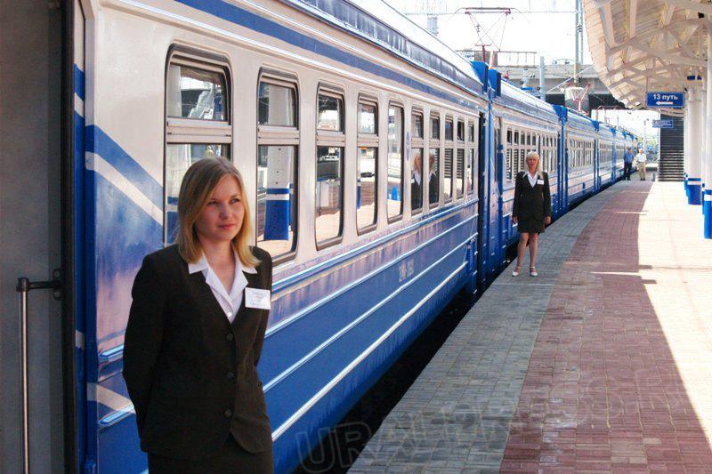 Как сообщили в пресс-службе ЮУЖД, по прибытии поезда из Уфы в Челябинск в состав поезда включаетс
