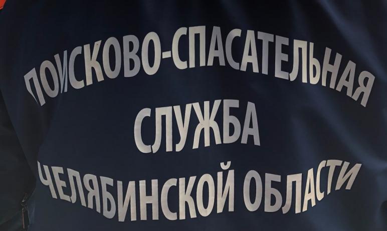 В Златоусте (Челябинская область) очевидцы заметили предмет, похожий на боевой снаряд. Место с по