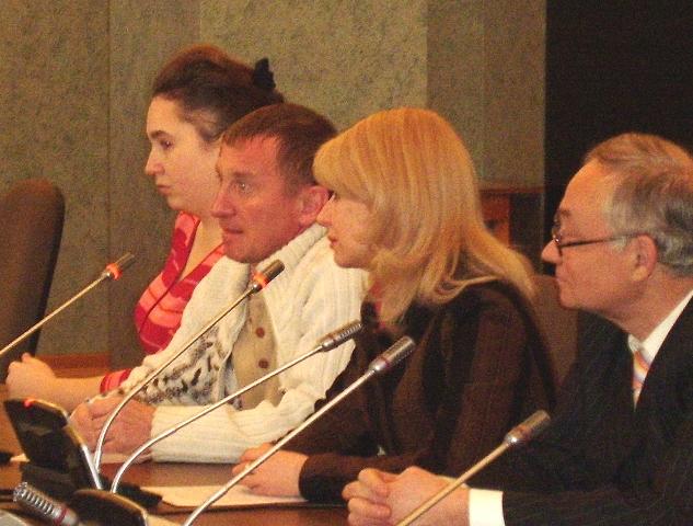 Светлана Поклоннова продолжает утверждать, что решение о переизбрании ей не поступало. «Отставки