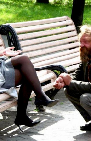 В Челябинской области составлением протоколов за приставание в общественных местах с целью попрош