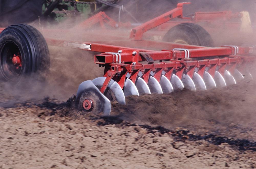 Руководители сельхозпредприятий, входящих в состав агрохолдинга «РАВИС» обратились за помощью в р
