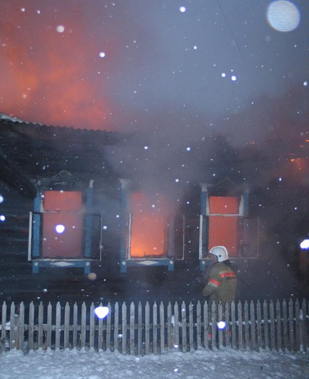 В субботу, второго апреля, в 22 часа 5 минут на центральный пункт пожарной связи города Усть-Ката