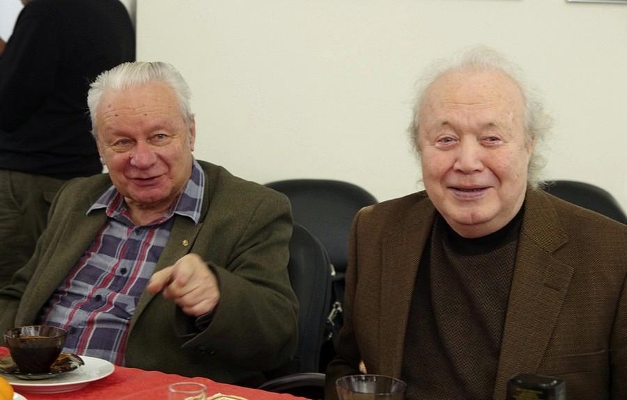 Повестка встречи челябинских фоторепортеров составлена как в былые времена. Ее главным пунктом ст