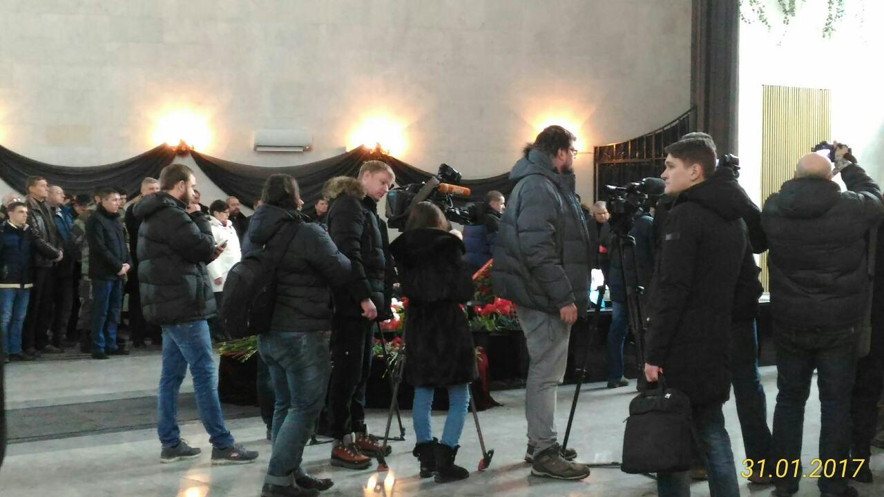 На церемонии прощания почти все соратники Болотова говорили о том, что он «первым выступил проти