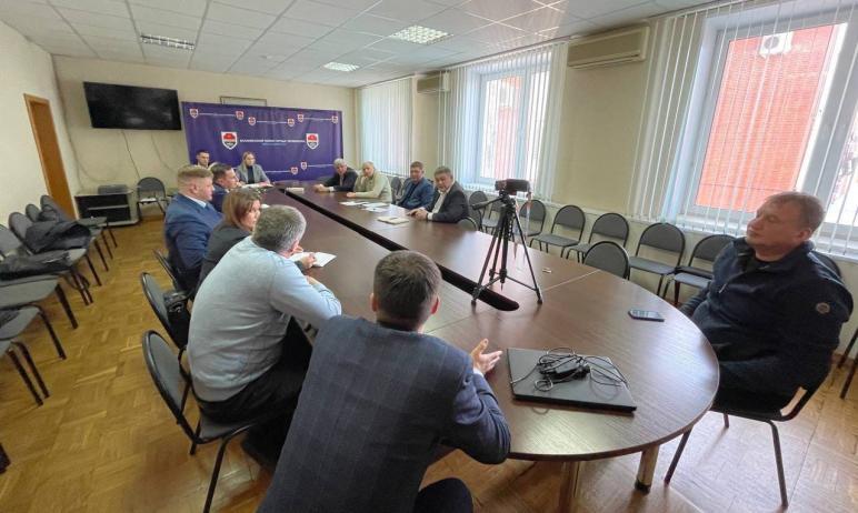 В Челябинске контрактами на уборку общественных пространств в Калининском районе заинтересовался