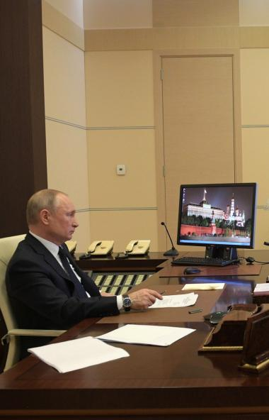 Президент России Владимир Путин предложил дополнительные меры поддержки для семей с детьми, где р