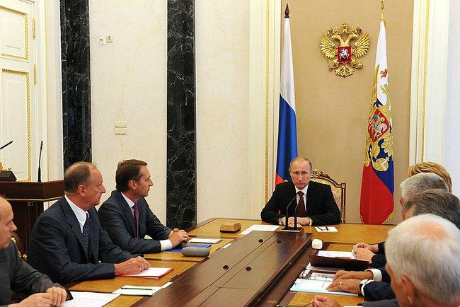 Об этом сообщает пресс-служба Кремля. В совещании приняли участие, в частности, секретарь