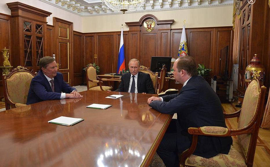 Как сообщается на сайте Кремля, на посту руководителя администрации президента РФ Сергея Иванова