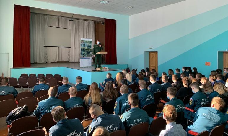 Сотрудники пункта отбора на военную службу Челябинской области в рамках информационно-агитационно