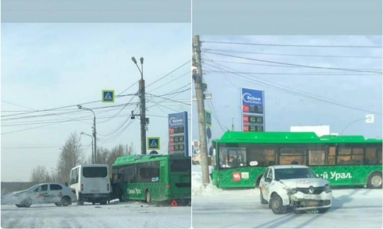 В пятницу, 12 февраля, в Курчатовском районе Челябинска произошла очередное столкновение пассажир