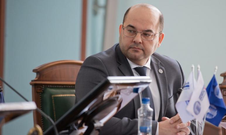 Председателем Общественной палаты Челябинской области шестого созыва избран Николай Дейнеко. Его
