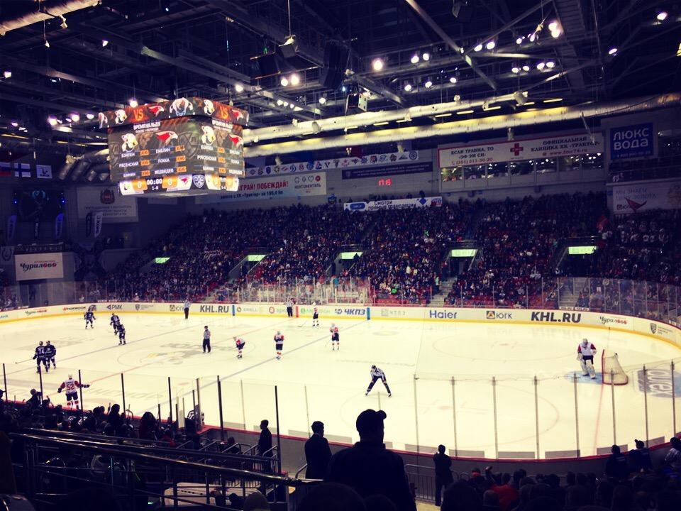 Билеты на матч «Трактора» с «Нефтехимиком» болельщикам оплатят хоккеисты. Акция стартует сегодня