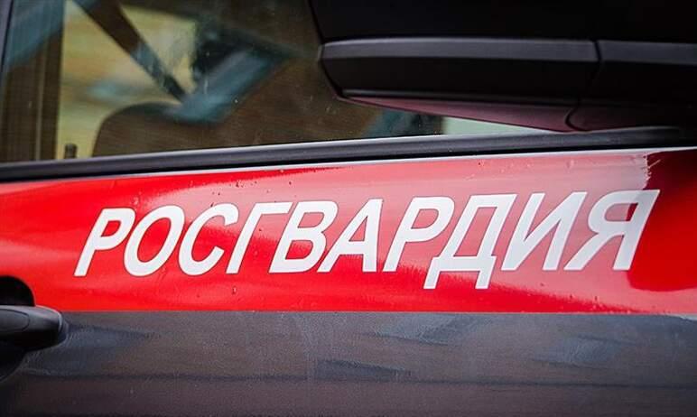 В Челябинске сотрудники Росгвардии задержали подозреваемого в разбойном нападении на отделение ба