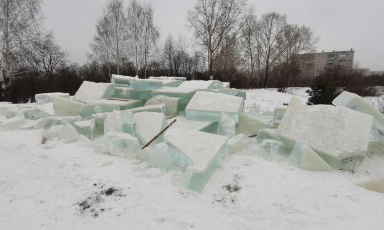 В Златоусте (Челябинская область) под угрозой оказалось возведение детских ледовых городков - неи