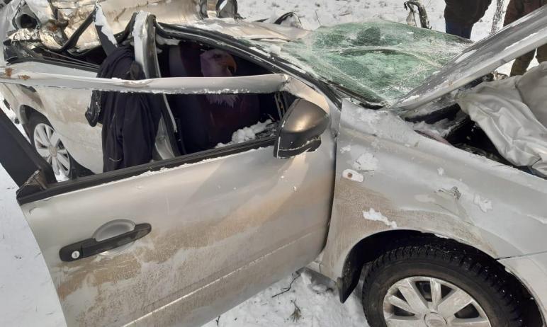 В Верхнем Уфалее (Челябинская область) 35-летняя женщина не справилась с управлением и улетела в