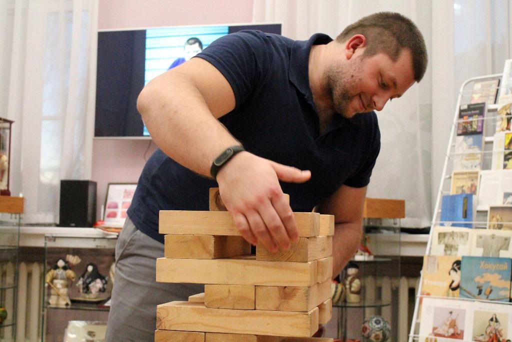 В Публичной библиотеке Челябинска с дружеским визитом побывал мастер спорта международного класса