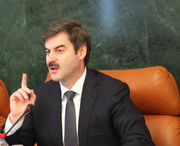О ситуации с безработицей в городе доложил губернатору Борису Дубровскому его первый заместитель