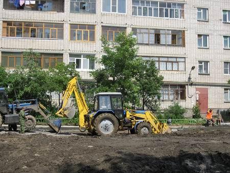 Со времен развала совхозов все дорожные покрытия поселения восстанавливались силами местной админ