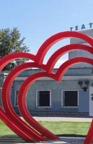 Жителям Челябинска предстоит определиться, нужен ли городу новый, романтический арт-объект. Голос