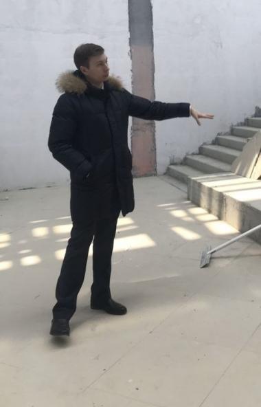 В Челябинске в микрорайоне «Парковый» на улице Скульптора Головницкого продолжается возведение но