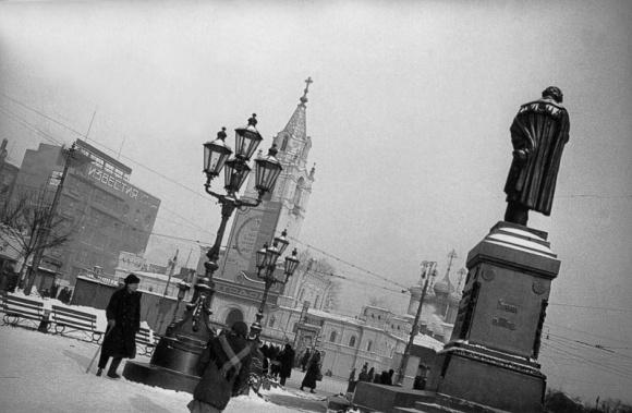 Мультимедиа Арт Музей (Москва) и Музей «Московский Дом фотографии» при поддержке Сбербанка предст